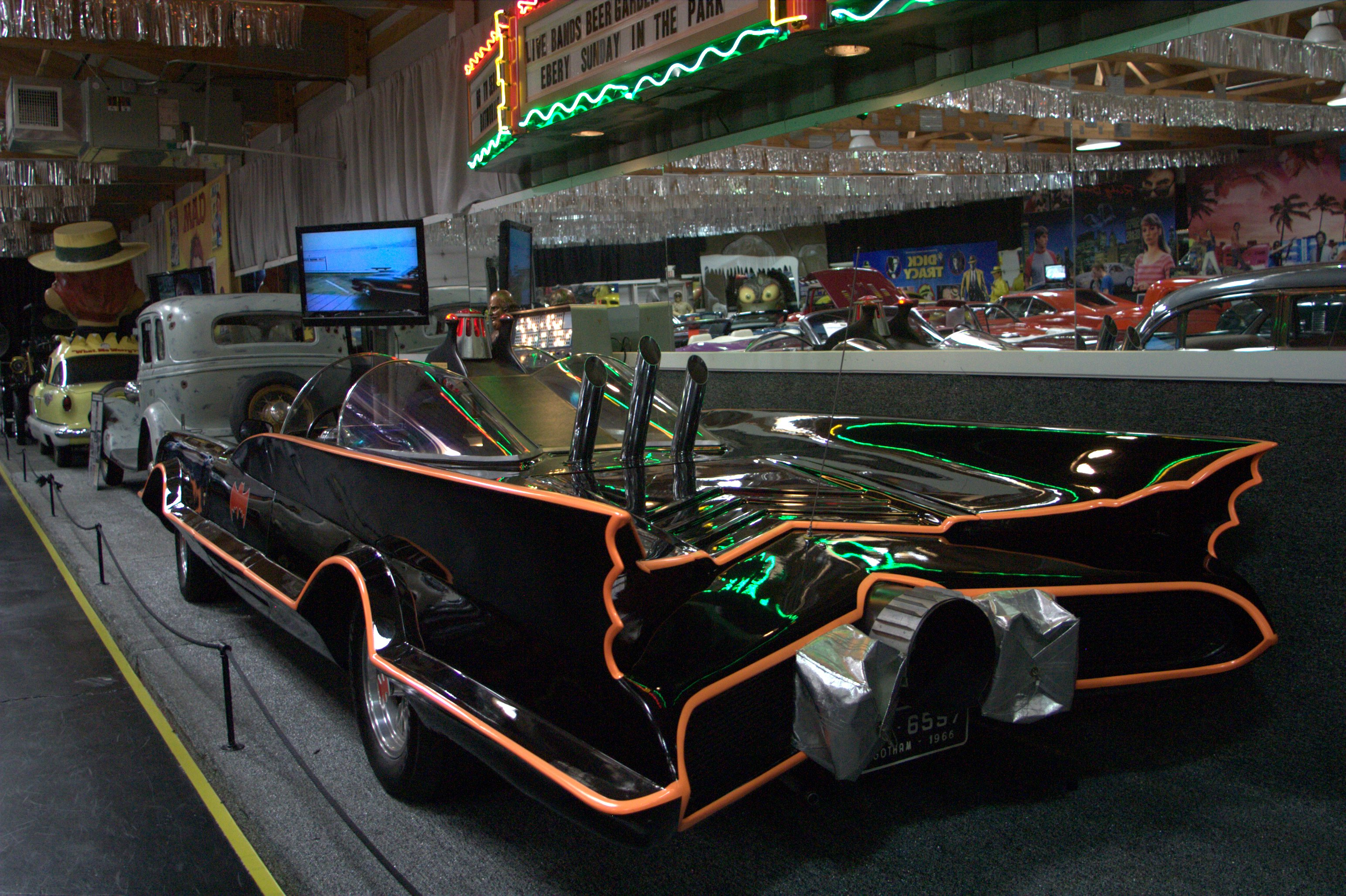 volo cars batmobile 2011 7092